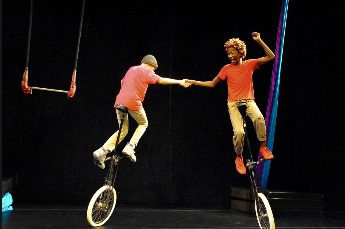 Free Circus, Giant Puppets and Movie – Wise Fool New Mexico